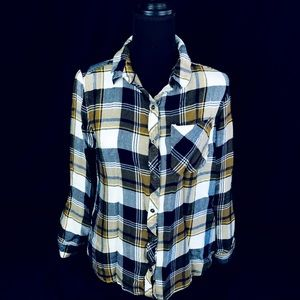 🍂 Soft Plaid Button Down Long Sleeved Top